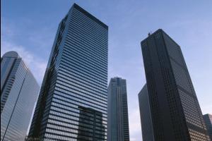 江门商铺占用公共地方扩建 一层房屋违规加建成三层